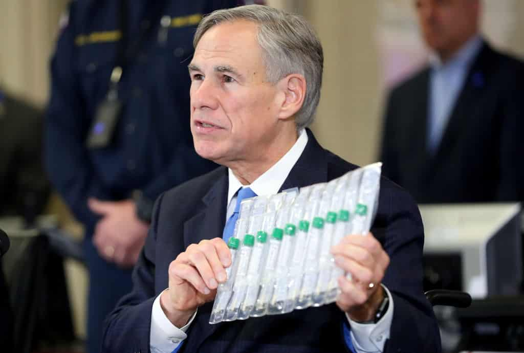 <p>Texas Gov. Bans Vaccine Passports Statewide thumbnail